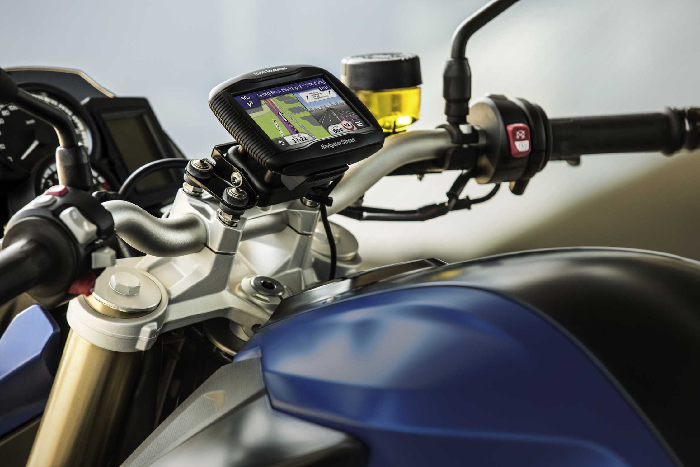 Comment faire le choix d'un GPS pour sa BMW ?